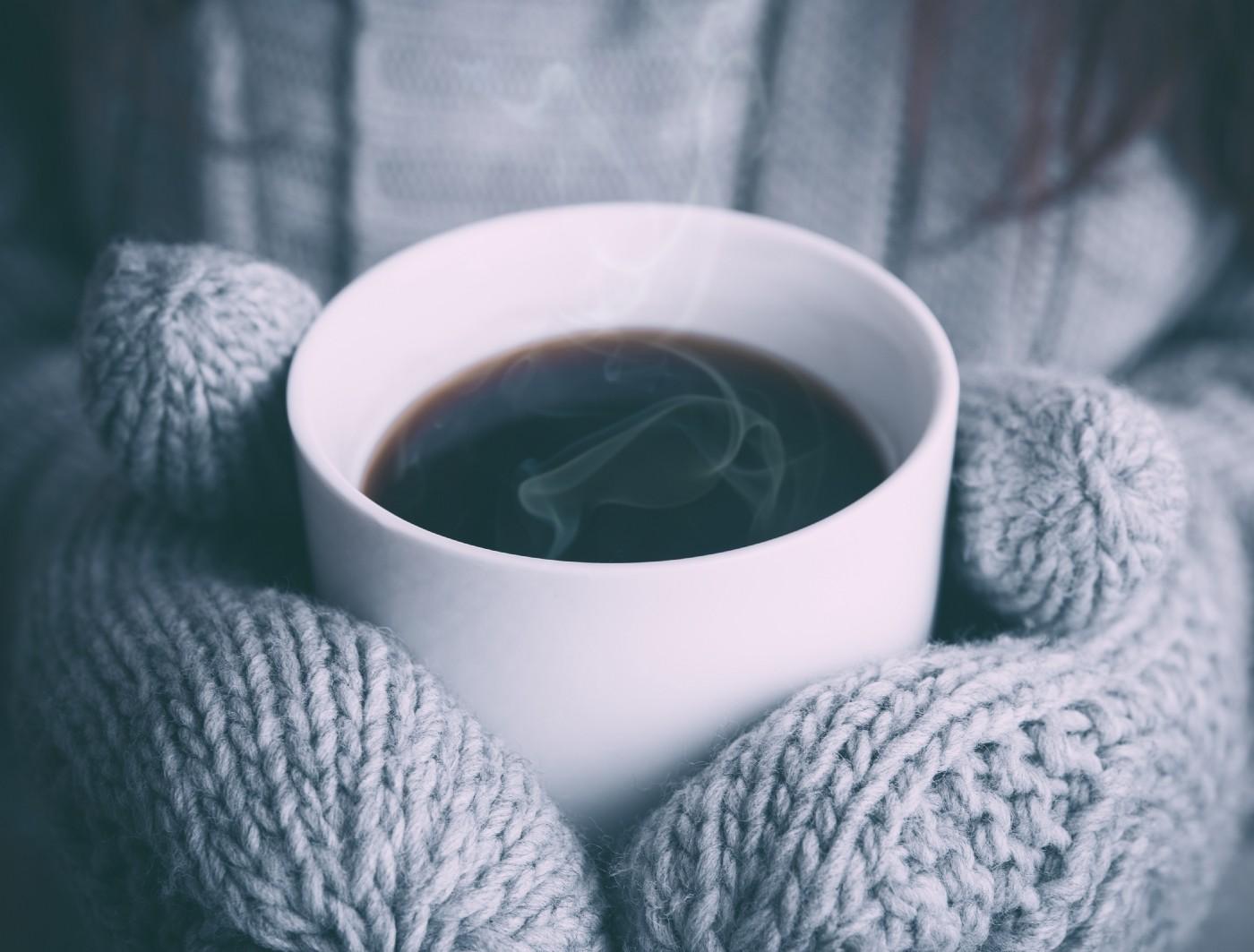 為什麼我的 手沖咖啡 聞起來很香,喝起來卻還好?