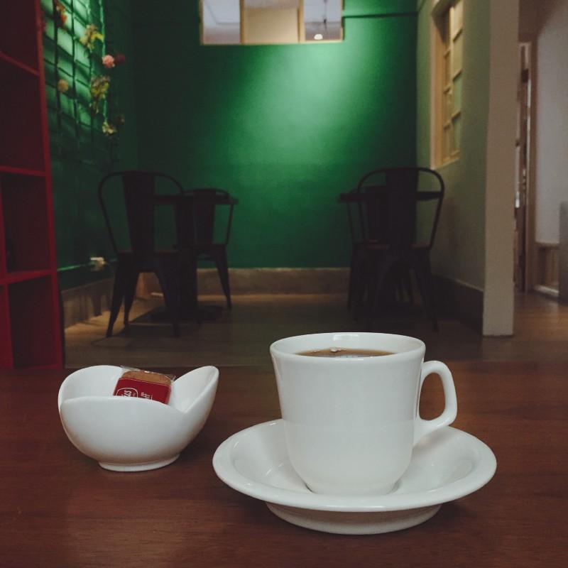 這次在新北永和,永安市場站的 3C CAFE 點了一杯精品咖啡,其中包含比利時蓮花餅與巴拿馬・巴魯火山單品咖啡