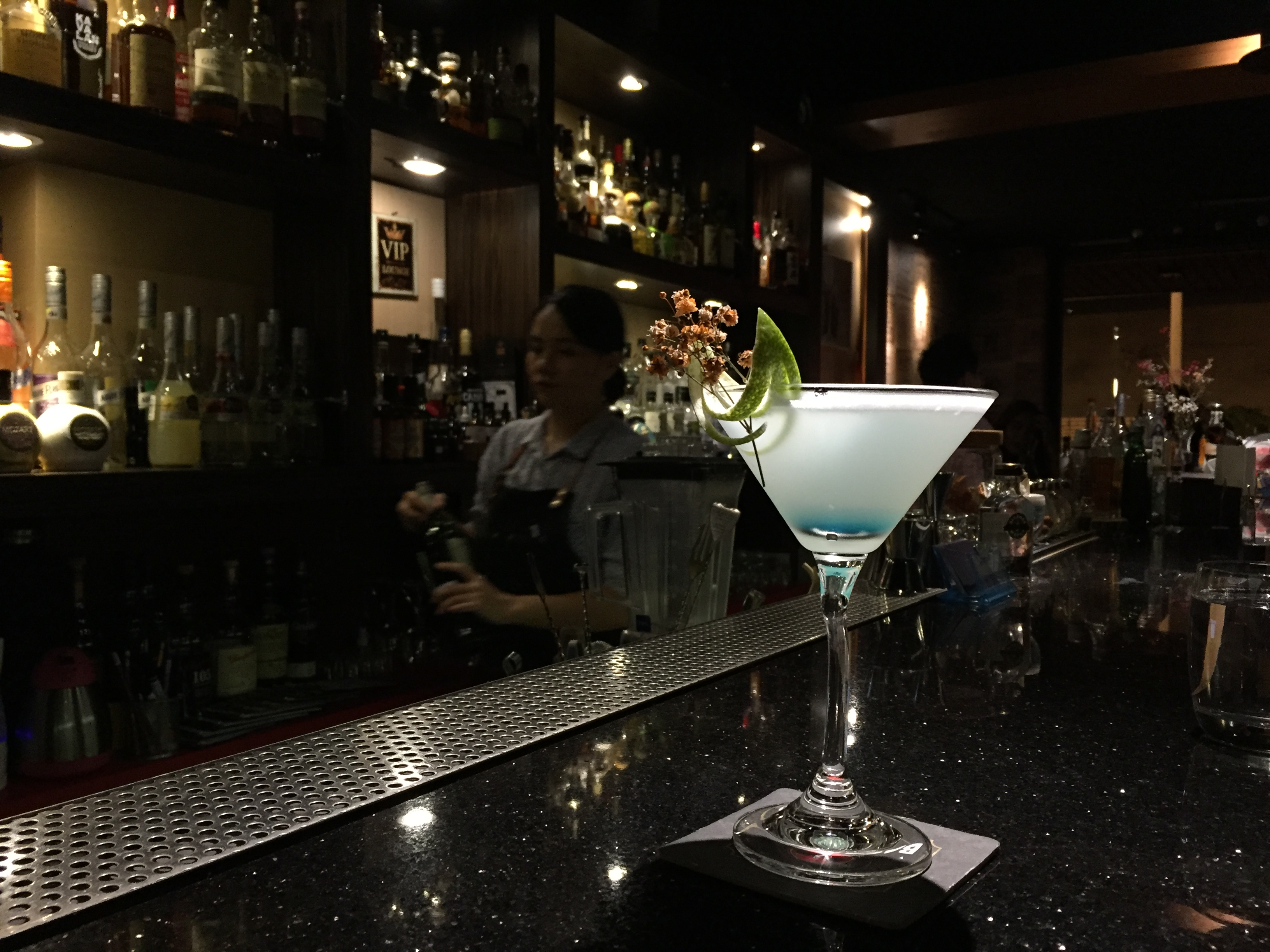 琴詩Bar 的調酒,以琴酒為基底,帶有一點蘋果香和接骨木的香味。